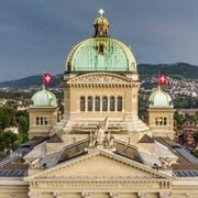 30 Parlamentarier und Parlamentarierinnen vertreten unsere Region in Bern. 23 von ihnen treten am 20. Oktober erneut zur Wahl an. Dazu kommen 423 weitere Frauen und Männer, die um einen Sitz in Bundesbern kämpfen.