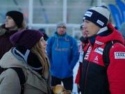 Der ehemalige Skispringer Andreas Küttel im Gespräch mit Lea Fürer, die bei Hanspeter Gubelmann ihr Sportpsychologie-Praktikum absolviert. (Bild: Martin Uebelhart (15. Dezember 2018))