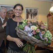 Die frisch gewählte Obwaldner Nationalrätin Monika Rüegger freut sich über ihren Einzug ins eidgenössische Parlament. (Bild: Keystone/Urs Flüeler, Sarnen, 20. Oktober 2019)
