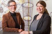 Kristin Schmidt und Barbara Affolter leiten die städtische Dienststelle, die für die Kulturförderung zuständig ist. (Bild: Urs Bucher - 10. Dezember 2015)