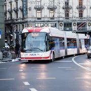 Um künftig auf die 1er-Linie umzusteigen, müssen Passagiere von Buchrain eine vierspurige Strasse überqueren und längere Fahrzeiten in Kauf nehmen. (Bild: Manuela Jans-Koch)