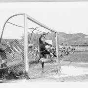 Noch ohne Videobeweis, aber wahrscheinlich ein Tor: Misslungene Goalieparade 1920 auf der Luzerner Tribschen. (Bilder: Archiv IFV)
