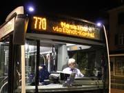 Mehr Leute fahren seit der Routenänderung mit dem Nachtbus zwischen Wil und Wattwil. (Bild: Liska Meier)