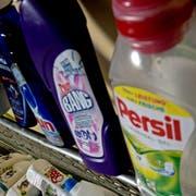 Sammelstelle von Plastikflaschen in der Migros in Ebikon.Das Bild entstand am Mittwoch, 3. April 2013.(Pius Amrein / Neue LZ)Umwelt, Entsorgung, Plastik, Flaschen, SammelstelleRecycling