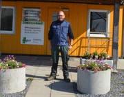 Seit vielen Jahren verkaufen Andreas und Bettina Giger aus Sevelen ihr Gemüse im eigenen Hofladen. Das Provisorium wird in Kürze durch einen Neubau ersetzt. (Bild: Jessica Nigg)