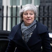 Theresa May am Montag in London. (Bild: EPA/FACUNDO ARRIZABALAGA)