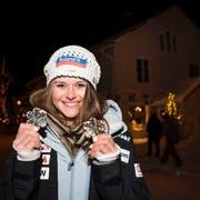 Silber in der Abfahrt, Bronze im Super-G: Die Schwyzerin Corinne Suter schaut auf eine perfekte WM zurück.Bild: Jean-Christophe Bott/Keystone (Åre, 10. Februar 2019)