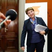 CVP-Bundesratskandidatin Viola Amherd beantwortet Fragen von Journalisten nach ihrem Hearing in der Fraktionssitzung der CVP, am Freitag, 16. November 2018 im Bundeshaus in Bern. (Bild: Keystone)