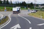 Die Unfallstelle im Kreisel Lindencham. (Bild: Zuger Polizei)