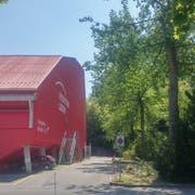 Auf der Vorzone rechts des Eiszentrums könnte künftig ein Büro- oder Hotelgebäude stehen. (Bild: Stefan Dähler, Luzern, 10. Juli 2019)