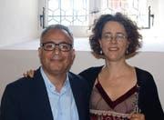 Komponist Houtaf Khoury gratuliert Oboistin Andrea Bischoff zur Welturaufführung seiner Komposition für Oboe und Streichquintett.Bild: Kurt Liembd (Grafenort, 21. Mai 2018)