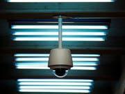 Die Zuger Polizei darf laut Verwaltungsgerichtsurteil das Zuger Stadtgebiet mittels Videokameras überwachen. (Symbolbild: Pius Amrein)