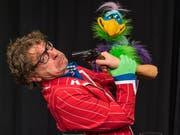 Günter Fortmeier ist Bauchredner, Schattenspieler und Moderator - und am Samstag im Theater 111 zu sehen. (Bild: PD)