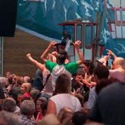 Party im Festzelt Gemsstock. (Bild: Maria Schmid, Zug, 23. August 2019)
