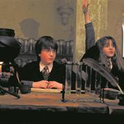 Paradebeispiel einer Streberin: Hermine Granger aus «Harry Potter» macht stets mehr als ihre Freunde – und mehr als sie müsste. (Bild: Imago Images)