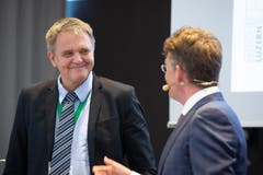 Hanspeter Vogel, Leiter Fachbereich Gesundheit beim Kanton Luzern, im Gespräch mit Moderator Hannes Blatter. (Bild: RVK/Monique Wittwer, 29. Juni 2018)