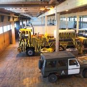 Die Halle 3 auf dem Flugplatz Buochs muss abgebrochen werden. Nun hat der Kanton die Zustimmung des Stimmvolks, gemeinsam mit der Armee den Ersatzbau Süd auf dem Waffenplatz Wil zu realisieren. (Bild: PD)