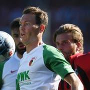Spielt mittlerweile beim FC Augsburg: Nati-Captain Stephan Lichtsteiner, der am Freitag erstmals seit letztem März wieder ins Nationalteam berufen wurde. (Bild: Keystone)