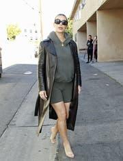 Die Hose des Grauens: Reality-Queen Kim Kardashian schreckt vor nichts zurück. (Bild: Dukas)