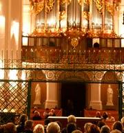 Stand nach dreissig Jahren seit ihrer Restauration im Zentrum des Jubiläumskonzertes: die Grosse Orgel von Neu St.Johann. (Bild: Peter Küpfer)