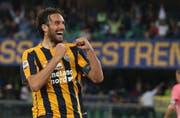 Luca Toni jubelt nach seinem Treffer zum 1:0 für Hellas Verona gegen Juventus Turin. (Bild: Filippo Venezia (Verona, 8. Mai 2016)