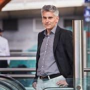 Ueli Stückelberger, Direktor Verband öffentlicher Verkehr, fotografiert am Bahnhof Bern. (Bild: Jakob Ineichen, 7. Juli 2017)