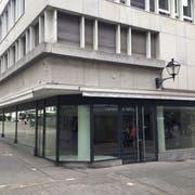Vom 3. September bis 29. November ist im derzeit leerstehenden Ladenlokal an der Neugasse 30 die «Smarthalle» der Stadt St.Gallen untergebracht. (Bild: Reto Voneschen - 11. Juli 2019)