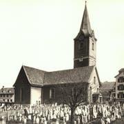Kirche und Friedhof zu St.Mangen auf einer Aufnahme des bekannten St.Galler Fotohauses Zumbühl. Die Aufnahme dürfte aus den 1880er- oder 1890er-Jahren datieren. (Bild: Sammlung Reto Voneschen)