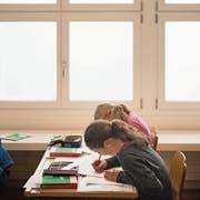 Auf der Sekundarstufe werden Schüler ab dem nächsten Schuljahr nach dem Lehrplan 21 unterrichtet. (Symbolbild: Benjamin Manser/St. Galler Tagblatt)