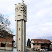 Die Bruderklaus-Kirche. Rechts das Pfarrhaus. (Bild: Dieter Ritter)