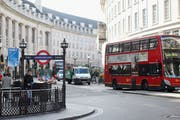 Die renommierte Regent Street im Herzen von London. Hier überfielen motorisierte Täter ein Edeluhren-Geschäft. (Bild: Oli Scarff/Getty)