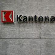Logo der Schwyzer Kantonalbank am Freitag, 27. Januar 2012 in Schwyz. (KEYSTONE/Sigi Tischler)