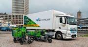 Seit dem Sommer liefern die Camion Transport AG und «Die Fliege» in St.Gallen Waren per Elektrolastwagen, Elektroroller oder Cargobike aus. (Bild: PD)