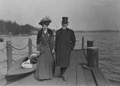Spaziergang an der Alster: Carl Spitteler im Jahr 1908 mit Tochter Anna in Hamburg. (Bild: Nachlass Carl Spitteler, Schweizerisches Literaturarchiv, Bern)