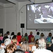 Über 200 Besucher kamen an dem Abend in die Feldmühle und sahen sich den Schweizer Film «Siamo Italiani» an. (Bild: Ramona Riedener)