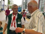 Er war gestern ein gefragter Mann: Projektleiter Jakob Knöpfel (links).