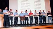 Zahlreiche Aadorfer Feuerwehrleute werden geehrt.