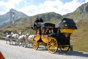Normalerweise ist sie auf dem Gotthard-Pass unterwegs, nun fährt die legendäre Postkutsche in Horw auf. (Bild: Bruno Arnold, 17. September 2009)
