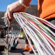 Auf dem Land reicht die Glasfaserleitung vielerorts nur bis in die Anschlusszentrale im Dorf. (Bild: Carlo Reguzzi/Keystone (Bellinzona, 10. Februar 2015)