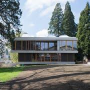 Das Schulhaus Felsberg ist saniert worden – bei den Arbeiten kam ein 31-jähriger Mann ums Leben. (Bild: Dominik Wunderli (Luzern, 19.04.2018)