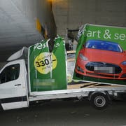 Fast jeden zweiten Monat blieb in den vergangenen zwei Jahren ein Lieferwagen in der Unterführung hängen. (Bild: Kapo TG)