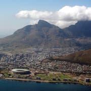 Luftaufnahme von Kapstadt. Bild: Jon Hrusa/EPA (Kapstadt, 2. Dezember 2009)