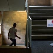 Den abgewiesenen Asylsuchenden steht eine ungewisse Zukunft bevor. (Symbolbild: Dominik Wunderli)