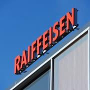Im Visier eines Räubers: Die Raiffeisenbank in Wittenbach. (Bild: Urs Bucher)