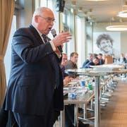 Der Emmer Einwohnerrat bei der Budget-Debatte am 20. März 2018. Im Vordergrund Finanzvorsteher Urs Dickerhof. (Bild: Boris Bürgisser)
