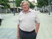 Ruedi Schär in der Oberen Bahnhofstrasse in Wil: Die Ferne hat ihn durch all die Zeit nie gelockt. (Bild: Richard Clavadetscher)
