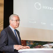 Der Stiftungsratspräsident des Lucerne Festivals, Hubert Achermann, während der Pressekonferenz. (Bild: Roger Grütter, 7. Mai 2019)