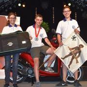 Sie waren im Königsausstich erfolgreich (von links): Tamara Hildebrand (Gähwil), Silbermedaillengewinner Yves Saxer (Wil) und Loris Fent (Bronschhofen). (Bild: PD)