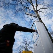 Geht es nach dem Stadtrat, werden in Kriens ab einer Parkdauer von 15 Minuten Gebühren fällig. (Symbolbild: Stefan Kaiser)