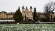 Das Kantonsgericht entschied, dass der Mann künftig wieder auf das gemeinsame Konto zugreifen darf. (Sigi Tischler/Keystone (Schwyz, 28. Januar 2012))